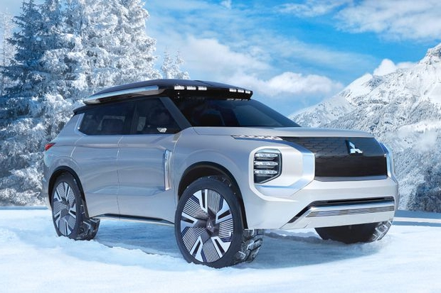 Mitsubishi Engelberg Tourer concept is a boxy plug-in hybrid crossover