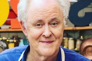 Great Celebrity Bake Off fans love John Lithgow's hilarious baking mishap