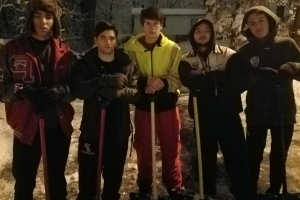 High school seniors shovel neighbor's driveway at 4:30 a.m. so she could make it to her dialysis