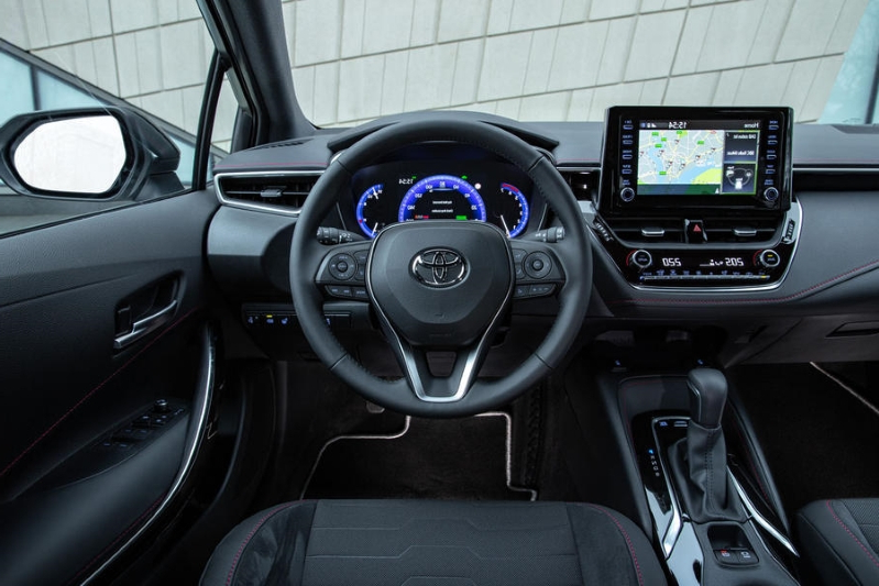 Toyota Corolla 1.8 Hybrid hatchback 2019 UK review
