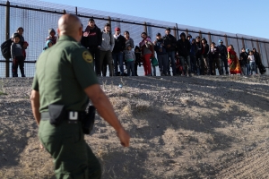 On U.S. border, fence meant as barrier becomes lure for migrants