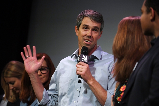 Beto O'Rourke's campaign comes to life in a darkened theater, for better and worse