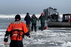Dozens of ice fishermen rescued after floating out into Lake Erie
