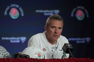 Fox hires Urban Meyer, Reggie Bush to its college football broadcast team