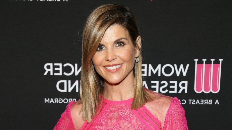 Lori Loughlin Deletes Social Media After Being Indicted in College Admissions Bribery Scam