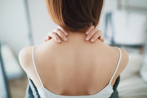 4 Types Of Back Pain You Should Never, Ever Ignore