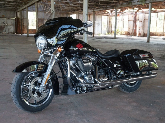 Motorcycles: A First Ride On Harley's Stripped-Down Tourer, The 2019