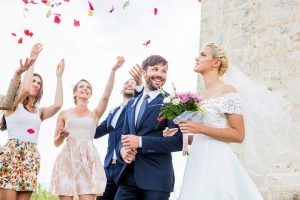 10 Wedding Guest Faux Pas to Avoid
