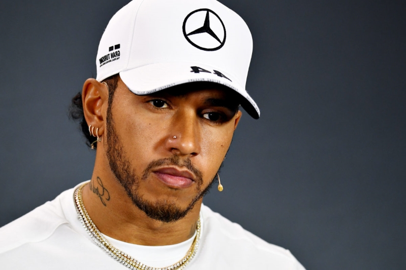 "Hamilton: Mercedes testing form ""quite clear"" to read"