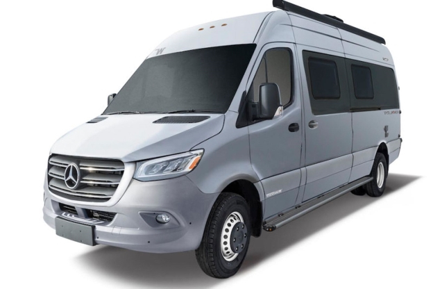 Winterfester Sprinter-Bus made in USA - Winnebago Boldt (2019)