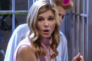 Lori Loughlin reportedly not expected to return to Fuller House in wake of college admissions scandal