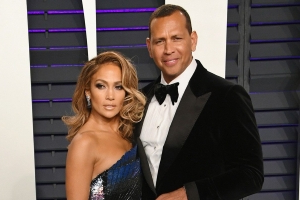 d3d173edc0 Jennifer Lopez Shows Off Her Huge Engagement Ring During NYC Date Night  with Alex Rodriguez -