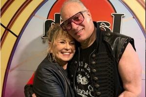 Roseanne Barr Returns to Stand-Up Stage at Laugh Factory With Andrew Dice Clay