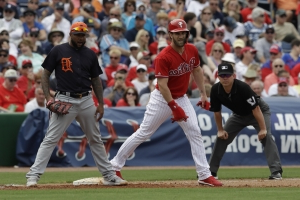 Harper gets 1st hit after 0-for-9 start in spring training