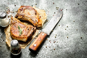 How to perfectly sear pork chops without drying them out