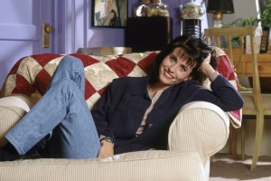 Courteney Cox Visits the Friends' N.Y.C. Apartment Building: 'The One Where My Rent Went Up'