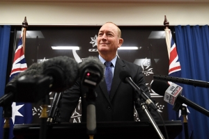 Million-signature petition to oust Fraser Anning delivered to senator