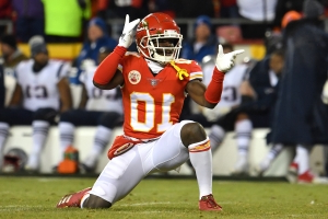 Report: Tyreek Hill subject of trade talks prior to battery investigation