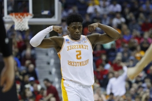 Admiral Schofield benched himself late to help Tennessee defense