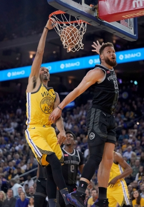 a85d3dbd7 Sport  Curry leads Warriors to bounce-back win over Pistons ...