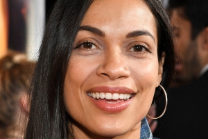 Cory Booker details first meeting with girlfriend Rosario Dawson