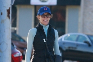Felicity Huffman Steps Out Smiling Amid College Admissions Scandal