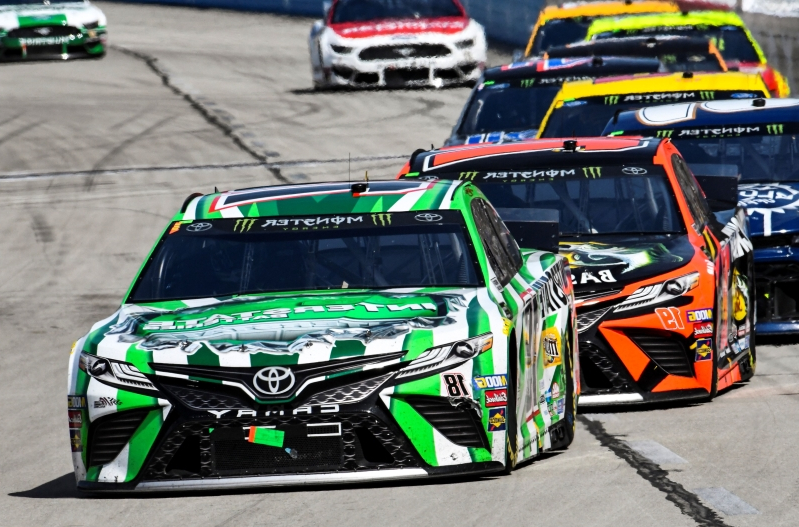 Hamlin wins at Texas despite 2 penalties
