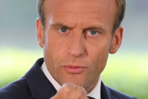 Emmanuel Macron sees no-deal Brexit ahead