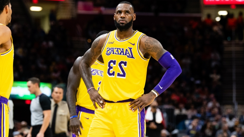 40162b4e5d6d Sport  Lakers  LeBron James addresses being shut down