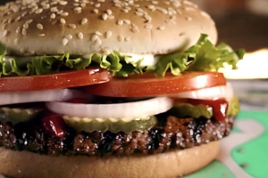 We Tried Burger King's Impossible Whopper to See How It Compares to the Meaty Original