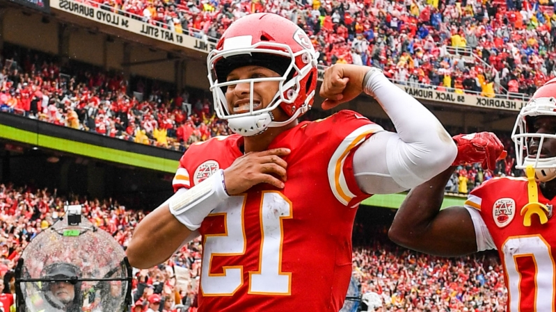 86f68d4ba54 Patrick Mahomes, Josh Allen in throwing contest? The Chiefs QB is confident  he'