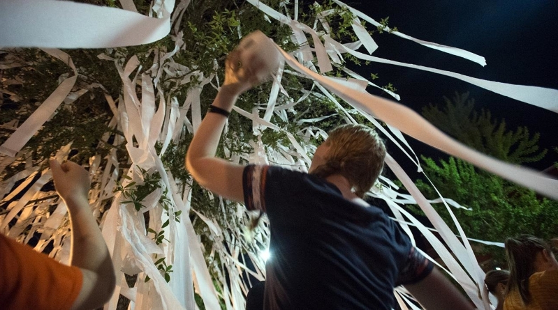 Watch: Auburn fans prematurely celebrate Final 4 win at Toomer's Corner