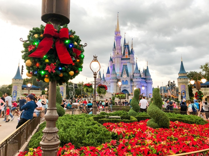 Mickeys Very Merry Christmas Party.Travel Mickey S Very Merry Christmas Party Starts Nov 8