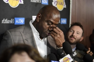 Magic Johnson's disappearing act leaves Lakers a lost franchise