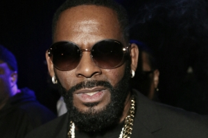 R. Kelly still making five-figures for nightclub appearances