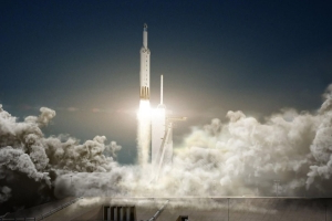 SpaceX delays Falcon Heavy's historic first commercial launch