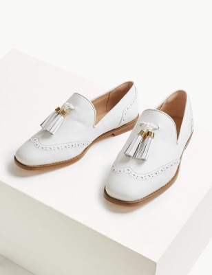ed8bc36c6a92 Wedding  The Best Flat Bridal Shoes To Wear On Your Wedding Day ...