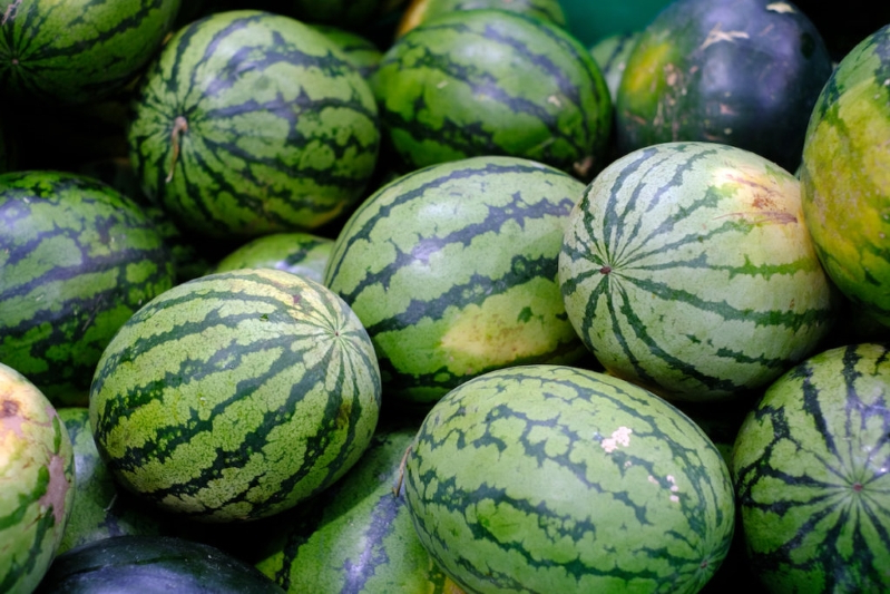 You're Forgetting to Do This One Thing When Buying Watermelon