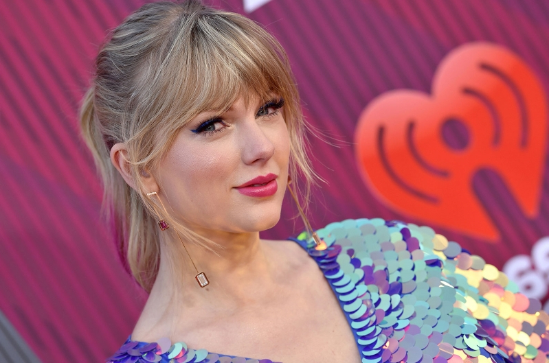 Entertainment: Taylor Swift Updates Her Website With Countdown Clock