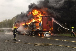 Firefighters rip into idiots who caused 'several near misses' during truck blaze on Laois to Dublin road