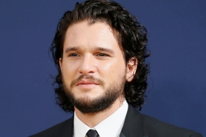 That time the Queen didn't know Kit Harington, shunned 'GOT' iron throne