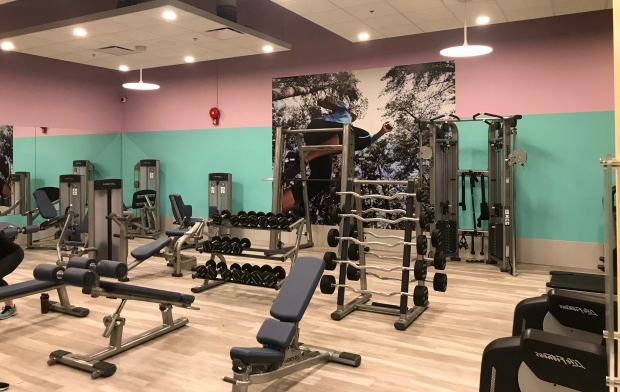 Decor of ladies-only section in Saskatoon gym feels 'patronizing': fitness coach