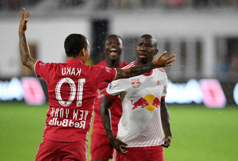 Red Bulls' Kaku gets red card after kicked ball hits fan