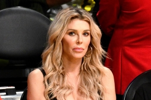 Brandi Glanville Cries, Says She Is 'Embarrassed' After Drunken Night Out