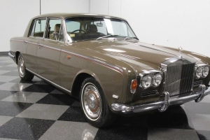 This 1969 Rolls-Royce Silver Shadow Is Old Money On Wheels