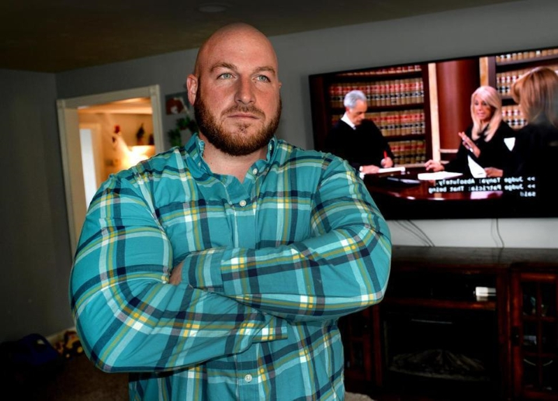 A delivery truck mistakenly brought an 86-inch TV to his house. The cops took him to jail.