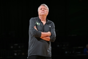 Seattle Storm coach Dan Hughes diagnosed with cancer