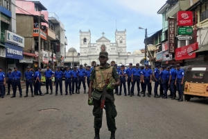 Explosions hit two Sri Lankan churches, two hotels at Easter: police