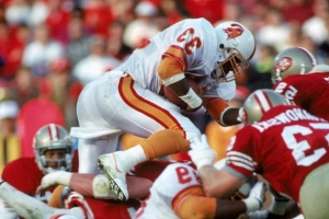 Former NFL running back, 49ers scout Reggie Cobb dies at 50
