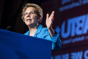 'Game of Thrones' Fan Elizabeth Warren Says the World 'Needs Fewer Cersei Lannisters'